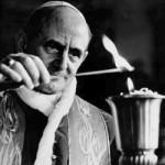 Paolo-VI-accende-una-lampada
